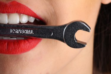 歯ぐき(歯肉)の老化が入れ歯の原因になっている